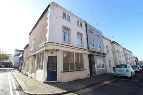 2 bedroom flat to rent - Charles Street, Herne Bay, Kent