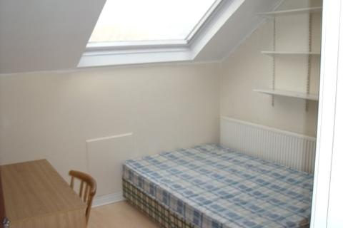 2 bedroom house to rent - 89A Headingley Mount Headingley Leeds West Yorkshire