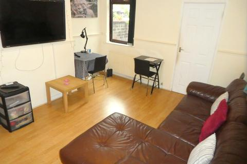 4 bedroom terraced house to rent - Newlyn Street, Rusholme