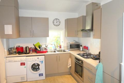 6 bedroom terraced house to rent - Rusholme Place, Rusholme