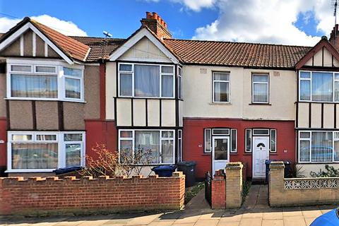 3 bedroom terraced house to rent - Lancaster Road, Southall