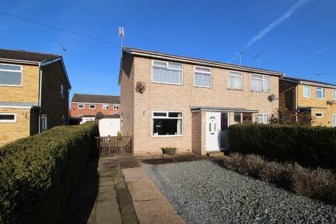 3 bedroom semi-detached house for sale - Woldholme Avenue, Driffield