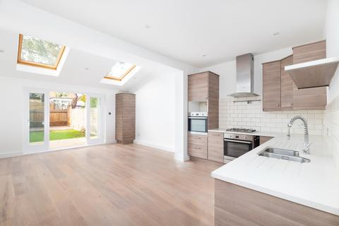4 bedroom house to rent - Trentham Street, Southfields, London, SW18