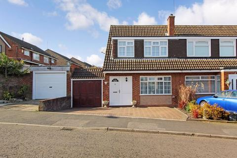 3 bedroom semi-detached house to rent - Hasketon Drive, Luton