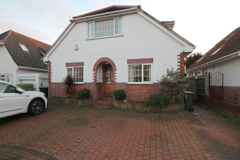 5 bedroom detached bungalow to rent - St Margarets Avenue  , Christchurch , Dorset