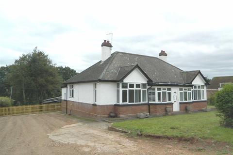 3 bedroom bungalow to rent - Kennford