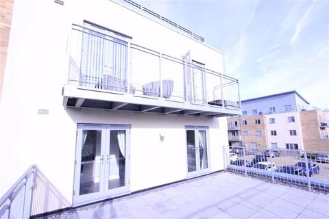 2 bedroom apartment to rent - Ramsden Court, Wickford, Essex