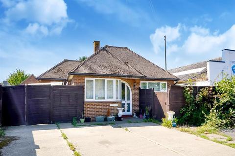 3 bedroom detached bungalow for sale - Sandwich Road, Hacklinge, Deal