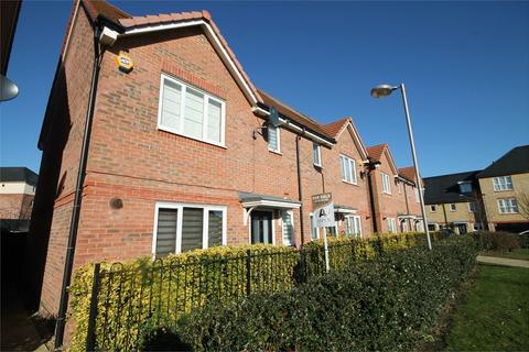 3 bedroom semi-detached house for sale - Holywell Way, Staines-Upon-Thames, TW19