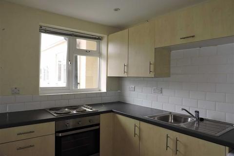 2 bedroom apartment to rent - Vanners Parade, Byfleet West Byfleet, Surrey