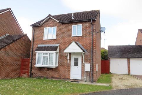 3 bedroom house to rent - 27 Cornflower RoadHaydon WickSwindon