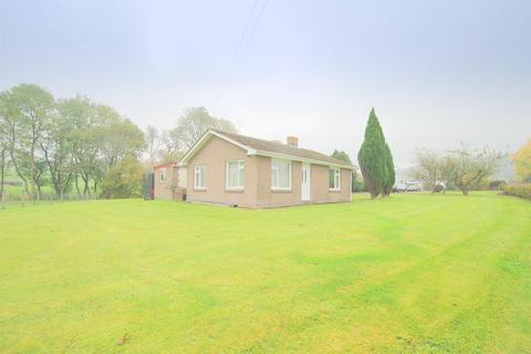 2 bedroom detached bungalow for sale - Llanddewi, Llandrindod Wells