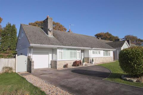 3 bedroom detached bungalow for sale - Denham Drive Highcliffe, Christchurch, Dorset