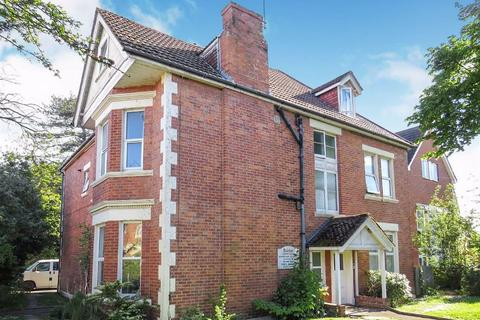 2 bedroom flat for sale - Crabton Close Road, Bournemouth