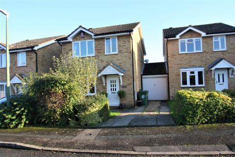 3 bedroom semi-detached house for sale - Finglesham Court, Maidstone