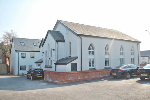2 bedroom flat to rent - The White House, Handforth
