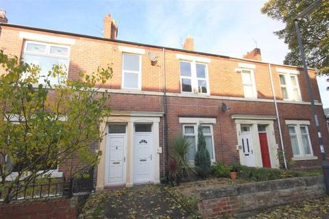 2 bedroom flat for sale - Cromwell Terrace, North Shields, Tyne And Wear, NE29