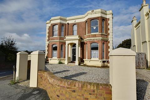 6 bedroom detached house for sale - St Helens Crescent, Hastings
