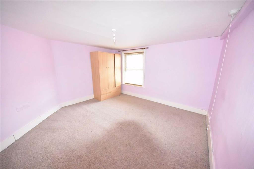 Front Bedroom (1)