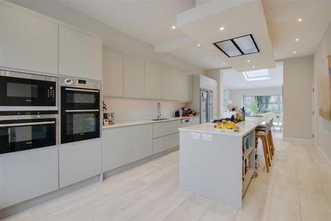 5 bedroom house to rent - Wellmeadow Road, London