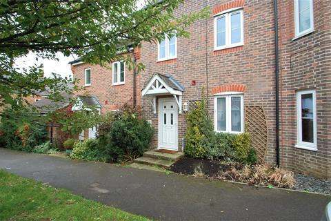 4 bedroom townhouse to rent - Charlton Drive  Petersfield.