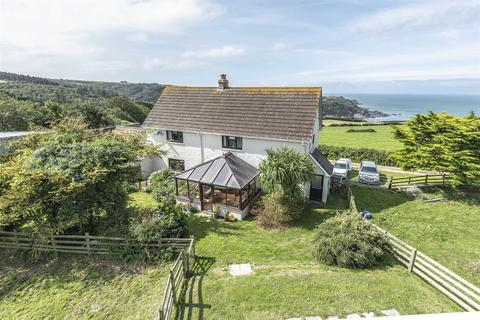 4 bedroom property with land for sale - Lee Bay