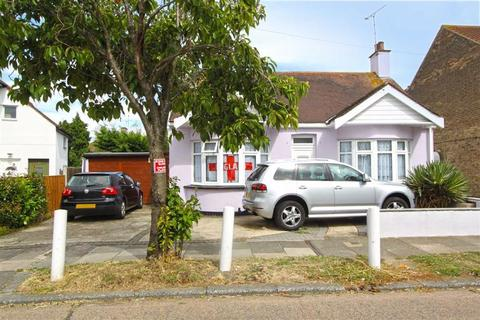 3 bedroom detached bungalow for sale - Ely Road, Southend On Sea, Essex