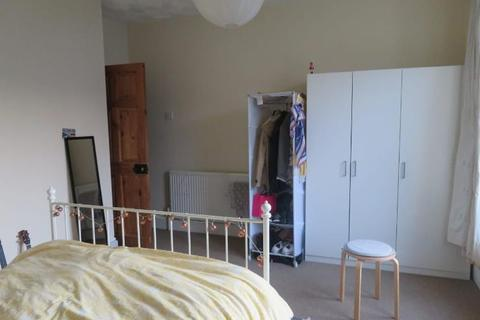 House share to rent - Francis Avenue, Southsea