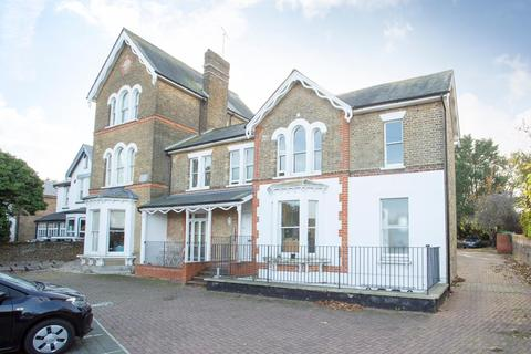 2 bedroom flat for sale - St. Peters Road, Broadstairs