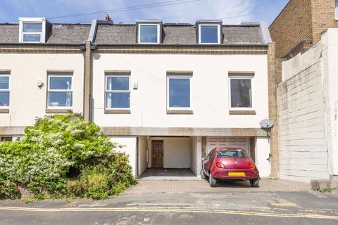 5 bedroom house to rent - Kingsdown, Dove Street