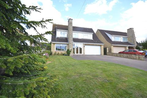 4 bedroom detached house for sale - Ratcliff Lawns, Southam, CHELTENHAM, Gloucestershire, GL52