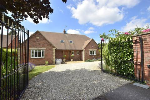 5 bedroom detached house for sale - Treetops   Balcarras Retreat, Charlton Kings, GL53