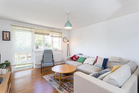 2 bedroom flat to rent - The Beckers, Rectory Road, N16