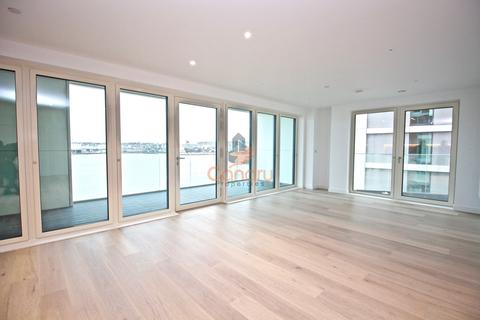 3 bedroom apartment to rent - Carrick House, Royal Wharf, Docklands, London, E16