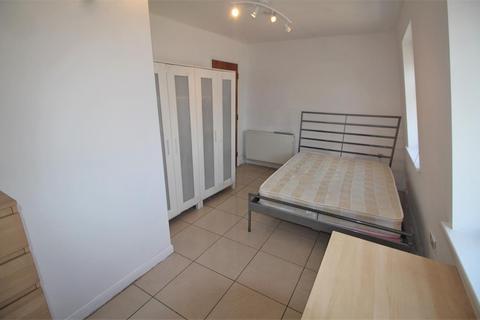 2 bedroom flat to rent - East India Dock Road, E14