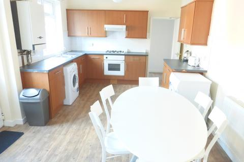 5 bedroom semi-detached house to rent - Broadgate, Beeston, NG9 2GG