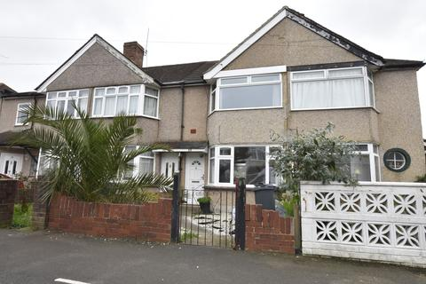3 bedroom terraced house for sale - Fernside Avenue, Hanworth, Middlesex, TW13
