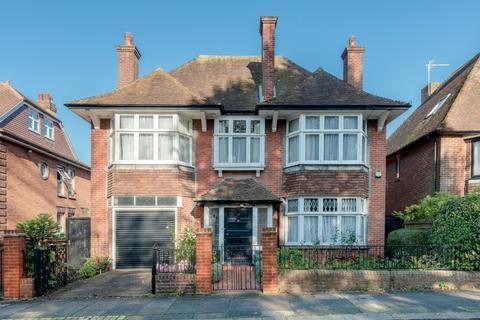 5 bedroom detached house for sale - Nizells Avenue, Hove, East Sussex, BN3