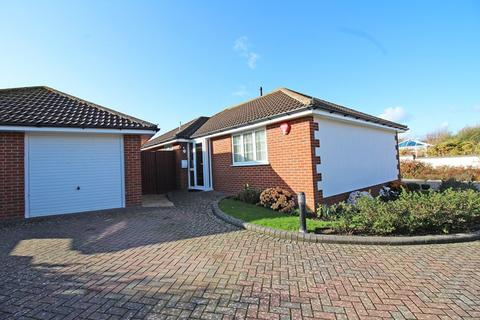 2 bedroom detached bungalow for sale - Island View Gardens, Milford On Sea, Lymington