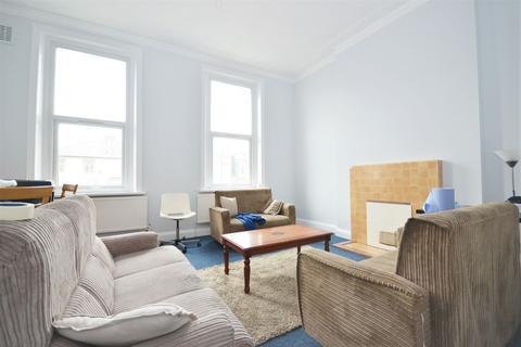 4 bedroom flat to rent - Uxbridge Road, Shepherd's Bush W12 8NR