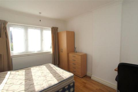 1 bedroom house share to rent - Templemead Close, East Acton