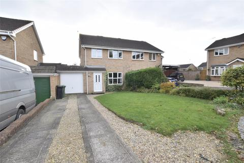 3 bedroom semi-detached house for sale - Summerhayes, North Common, BS30 8XZ