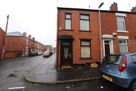 3 bedroom terraced house to rent - Grouse Street, Cronkeyshaw, Rochdale