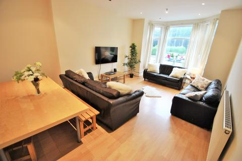 8 bedroom semi-detached house to rent - Birchfields Road, 8 Bed, Victoria Park, Bills Included, Manchester