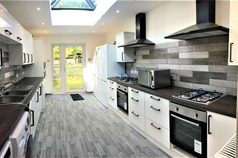 9 bedroom detached house to rent - Wellington Road, 9 Bed, Fallowfield, Manchester