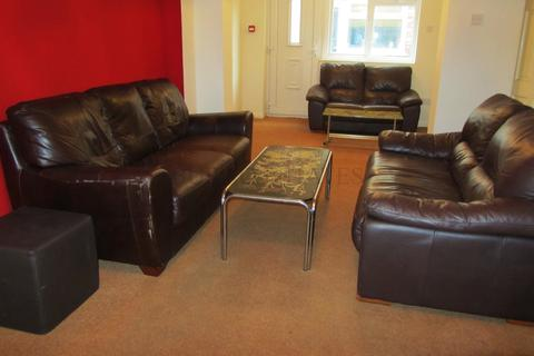 8 bedroom semi-detached house to rent - Derby Road 8 Bed, Fallowfield, Manchester