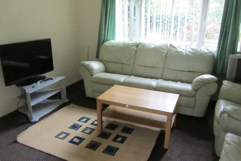 5 bedroom semi-detached house to rent - School Grove, 5 Bed, Manchester