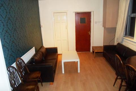 7 bedroom terraced house to rent - Booth Avenue, 7 Bed, Fallowfield, Manchester