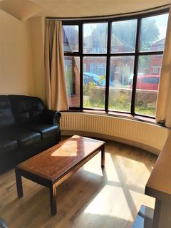 4 bedroom semi-detached house to rent - Delacourt Road, Withington