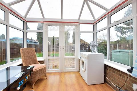 3 bedroom detached bungalow for sale - Warden View Gardens, Bayview, Sheerness, Kent